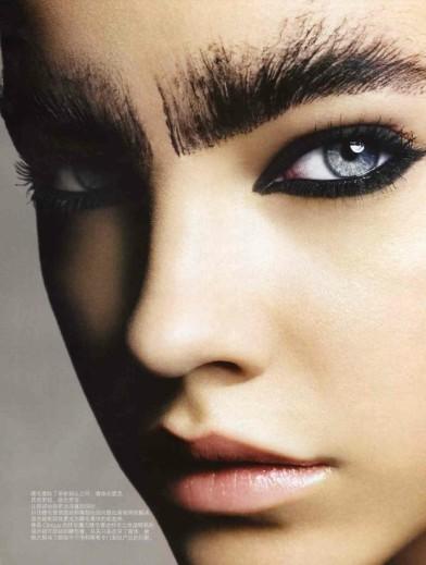 barbara-palvin-black-eye-makeup